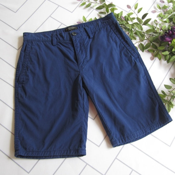 94848c8bcb Banana Republic Pants - Banana Republic Navy Blue Bermuda Shorts sz 28
